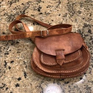 """Leather Bag with lots of character 22"""" drop strap"""